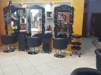 Locale commerciale adibito a parrucchiere, Assemini, Cagliari
