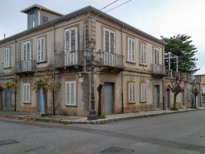 Vendesi intero palazzo a Mileto, Vibo Valentia