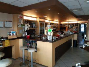 Bar in piccolo centro commerciale, Lonato del Garda, Brescia