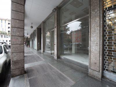 Immobile commerciale di 250 mq su due livelli, Bergamo centro, via Borfuro