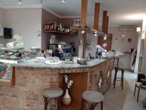Bar Petit cafè con dehor esterno, Refrancore, Asti