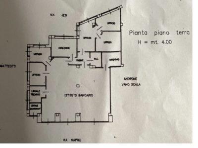 Locale commerciale 223 mq in affitto a Lucera, Foggia