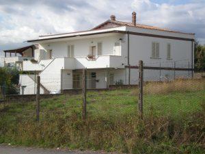 Immobile indipendente con 4 appartamenti, Roma